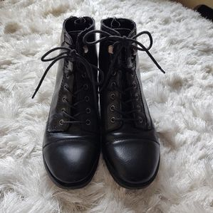 Black lace up combat boots sz 7.5